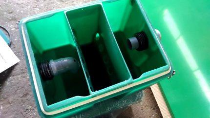 Smērvielu slazds ar plastmasas vāku