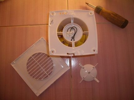 Installation of a ventilation device
