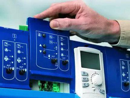 Electronic volatile panel