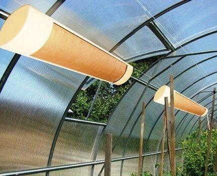 Quartz heaters in a greenhouse