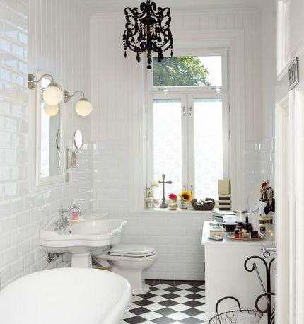 Une abondance de lumière dans la salle de bain