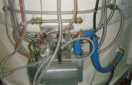 Ånggenerator på duschskåpet