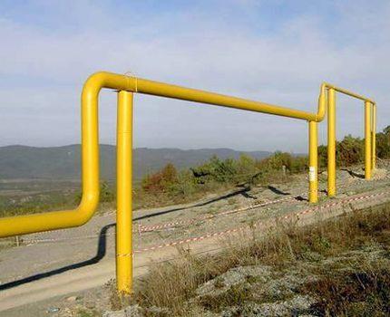Ligne de gaz sur la route