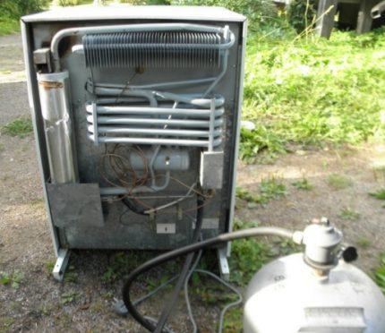 Réfrigérateur à gaz fait maison