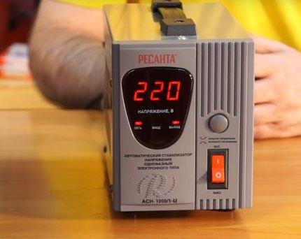 Stabilisateur Resanta 1000V