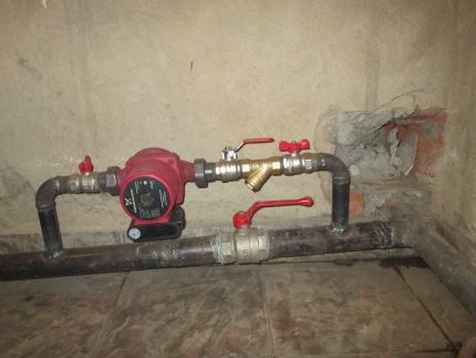 Mounting the pump in an open system