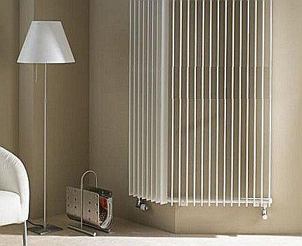 Stūra vertikālais radiators