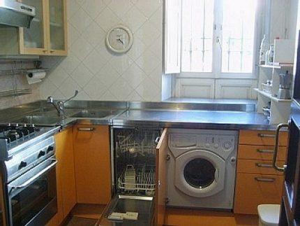 Fully integrated washing machine