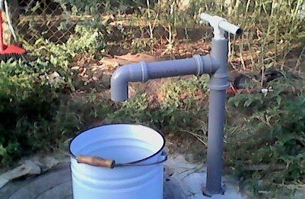 Manual collapsible pump