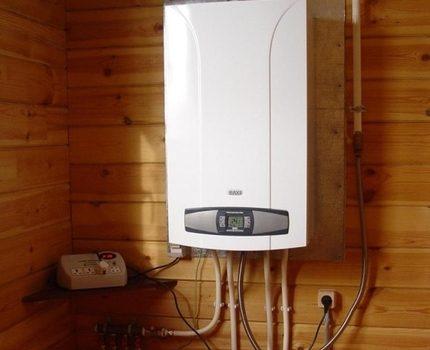 Gas heating boiler