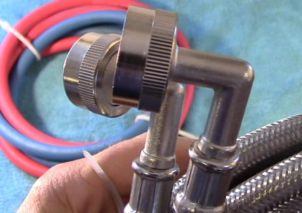 Replacing the inlet hose valve