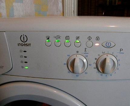 Washing machine malfunction signals