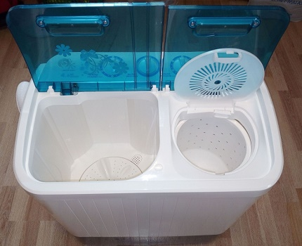 Activator washing machine with centrifuge