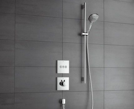Concealed installation of thermostatic mixer