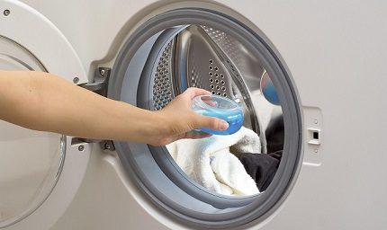 Liquid detergents for a washing machine