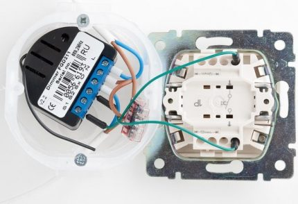 Autonomous dimmer connected to the switch