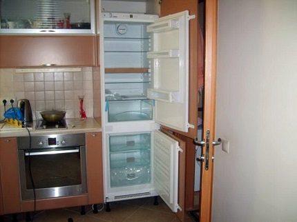 Atkausēšanas ledusskapis