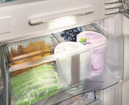 FrostSafe atvilktnes Liebher ledusskapī