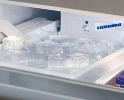 Liebher ledus mašīna