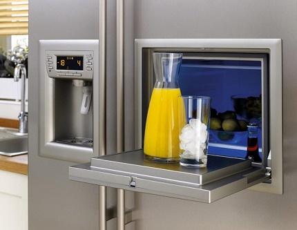 Ledus automāts daudzdurvju ledusskapī
