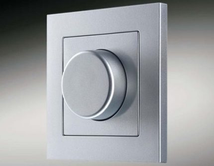 Possibility of using switches with dimmers