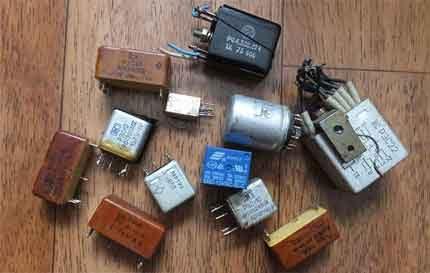Variété de relais électromagnétiques