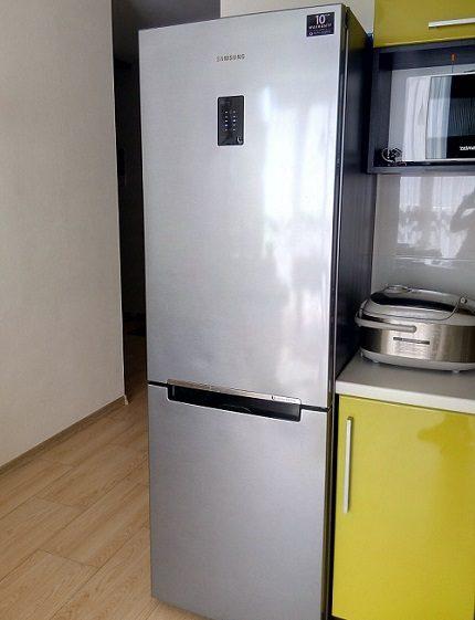 Dzesēšanas sistēma ledusskapī Samsung