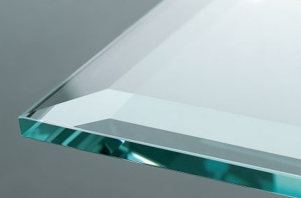 Fasetterat glas