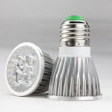 Lamp with connector E27