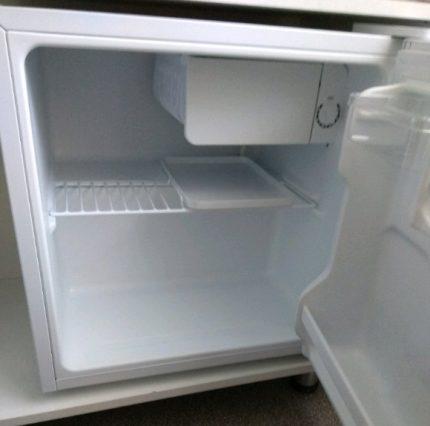 Single chamber refrigerator - mini bar