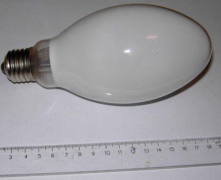 High pressure fluorescent lamp