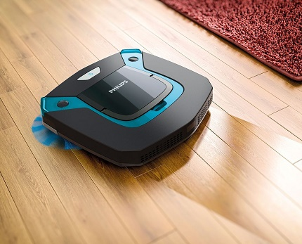 Wet robotic vacuum cleaner