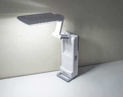 Lampe de bureau LED autonome Feron