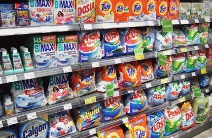 Poudres à laver pour dispositifs semi-automatiques