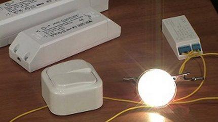 Halogen lamp with transformer