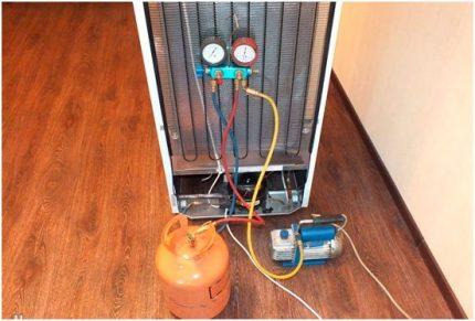 Vacuum refrigeration circuit