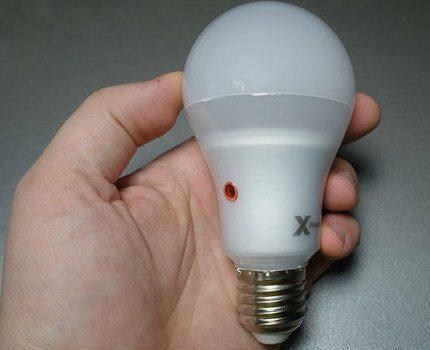 Smart bulb design