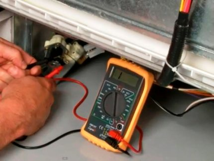 Checking the voltage of the heating element
