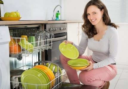 Loading utensils in baskets