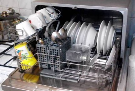 Inexpensive dishwasher in the interior