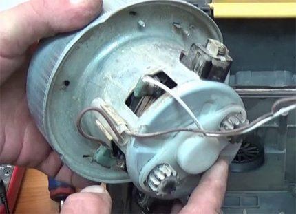Repair of the electric motor of the Samsung vacuum cleaner