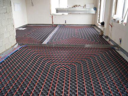 Profile mats for water floor