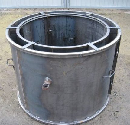 Mold for vibrocasting