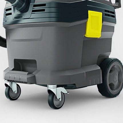 Industrial vacuum cleaner Karcher