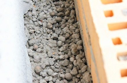 Expanded clay for wall insulation
