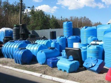 Plastic tanks of different volumes
