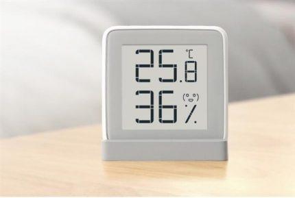 Drėgmės ir temperatūros matavimo prietaisas