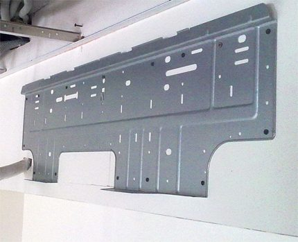 Mounting plate for indoor unit