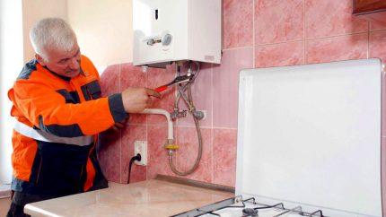 Réparation de chauffe-eau mural à gaz