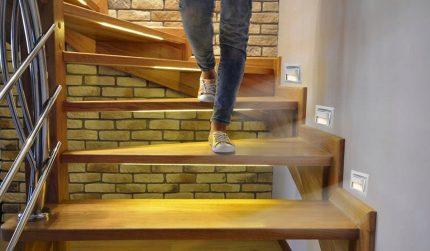 LED staircase lighting